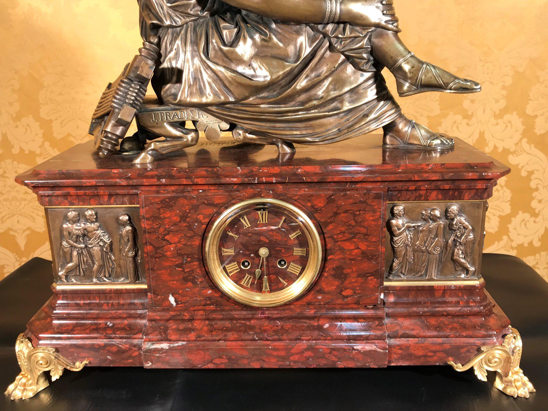 thumb2|Importante orologio a pendolo con marmo e bronzo firmato