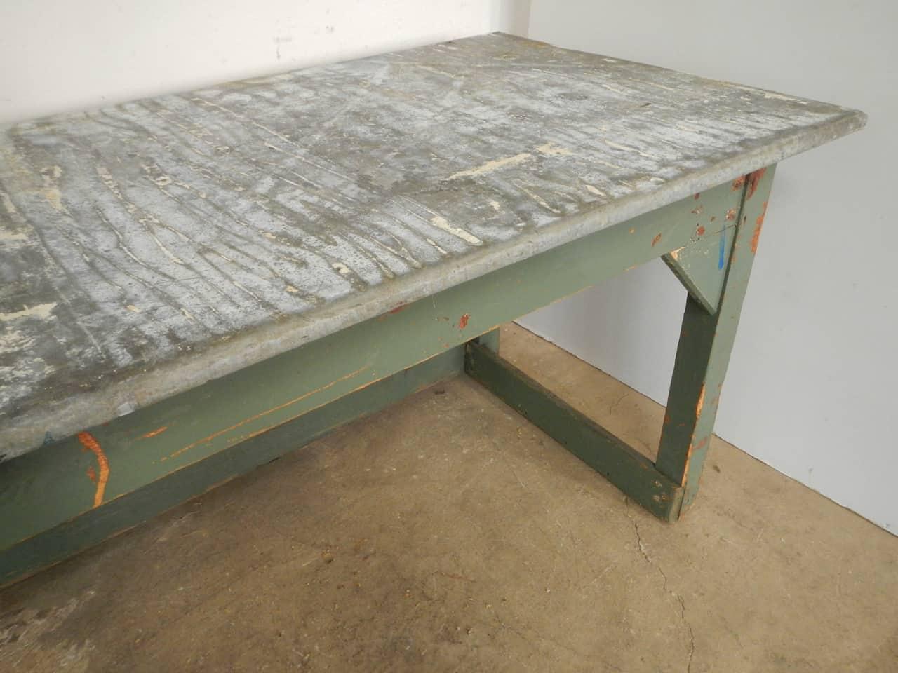 thumb9|tavolo da tipografia anni 50