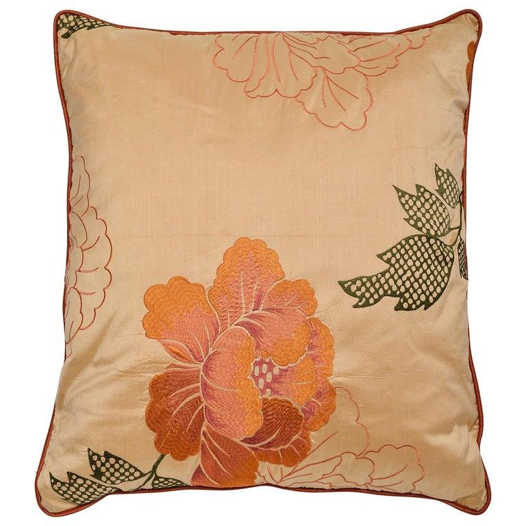 Cuscino in seta con splendido ricamo