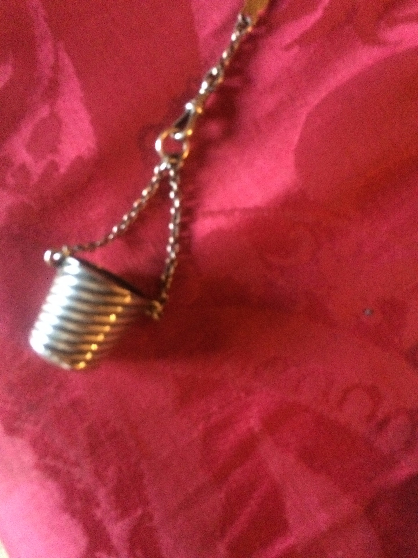 thumb5|Chatelaine in argento inglese