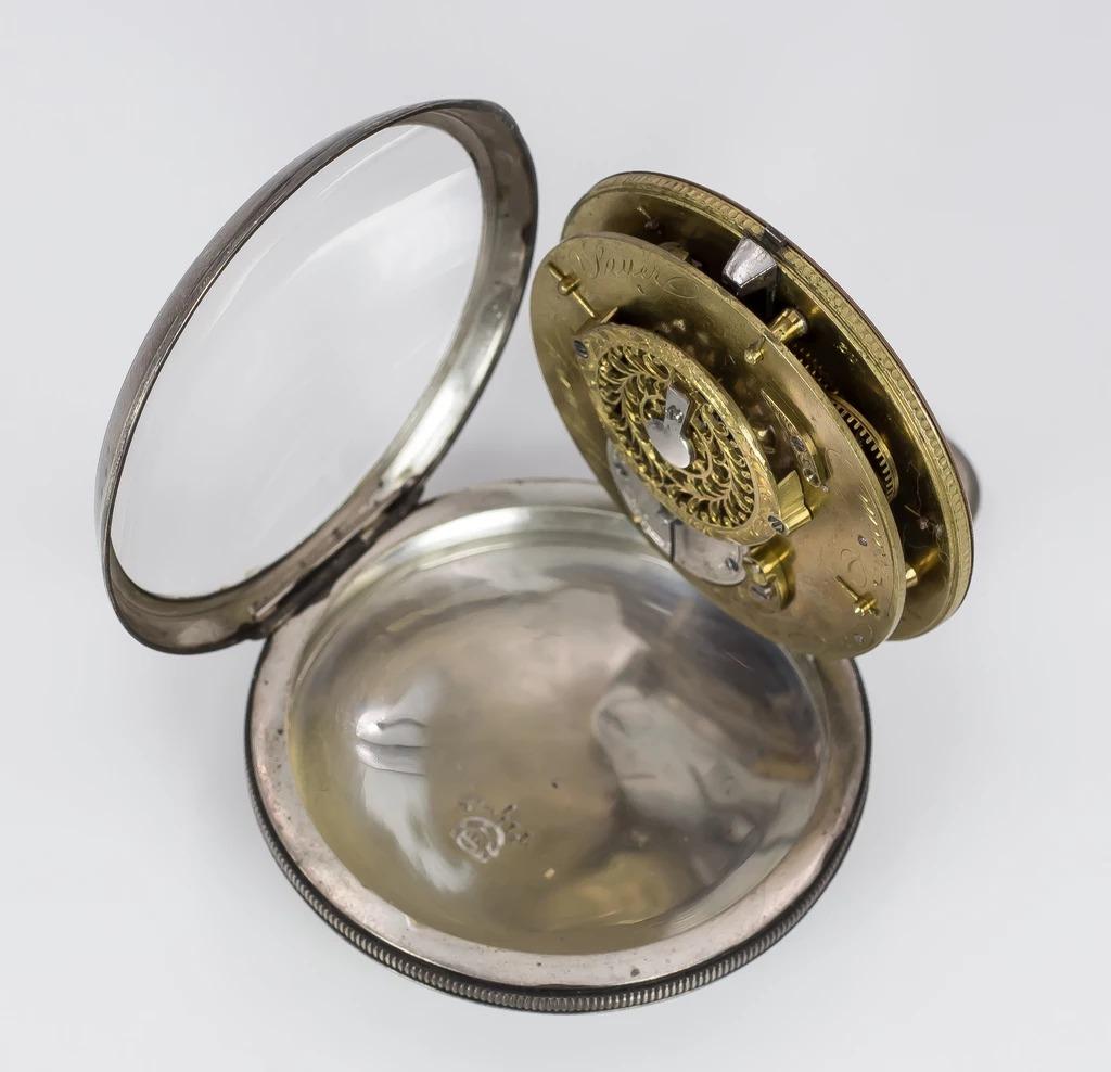 thumb2|Orologio da tasca in argento , 1831 Austria-Ungheria