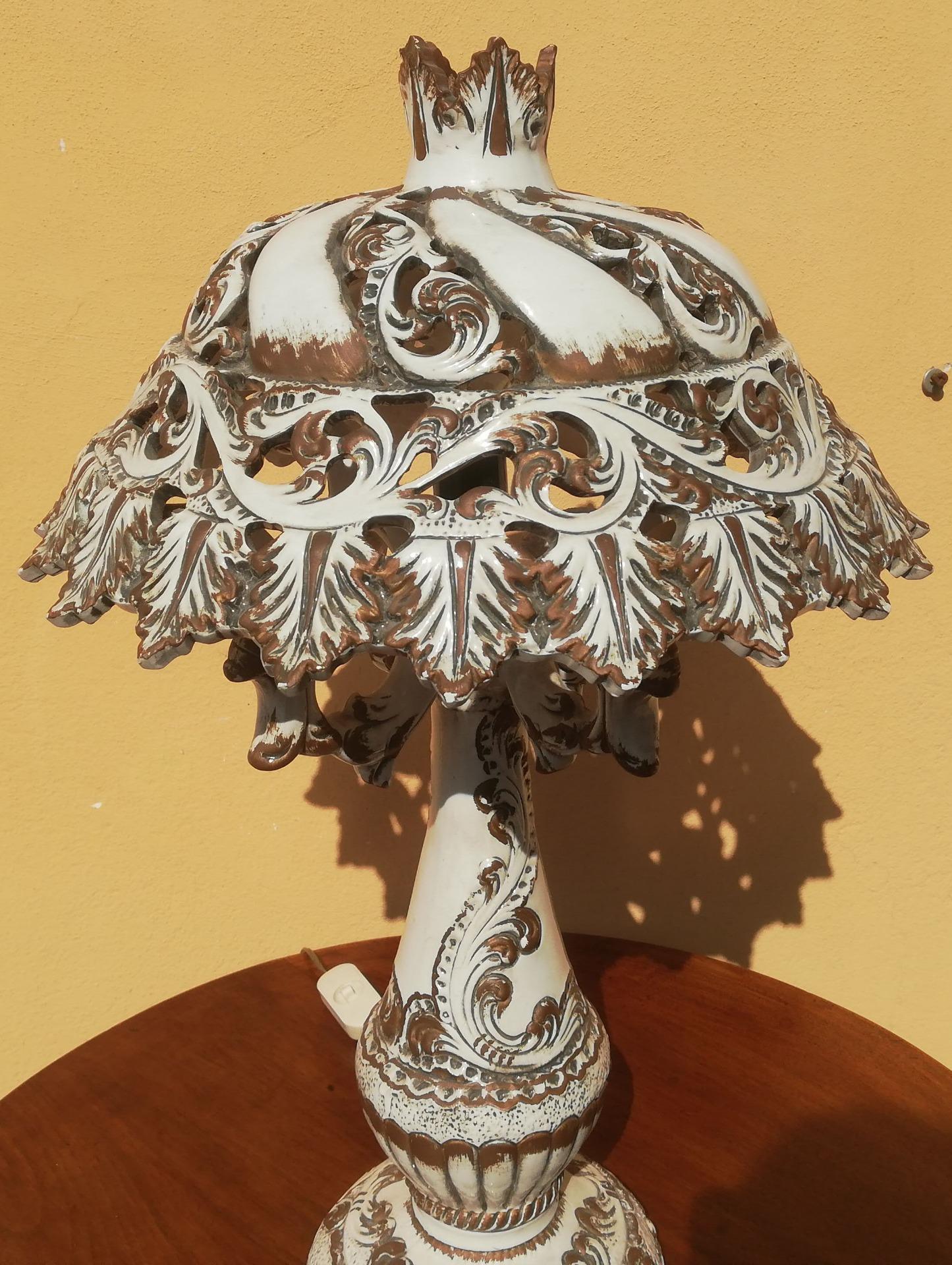 thumb4|lampda in ceramica Bassano