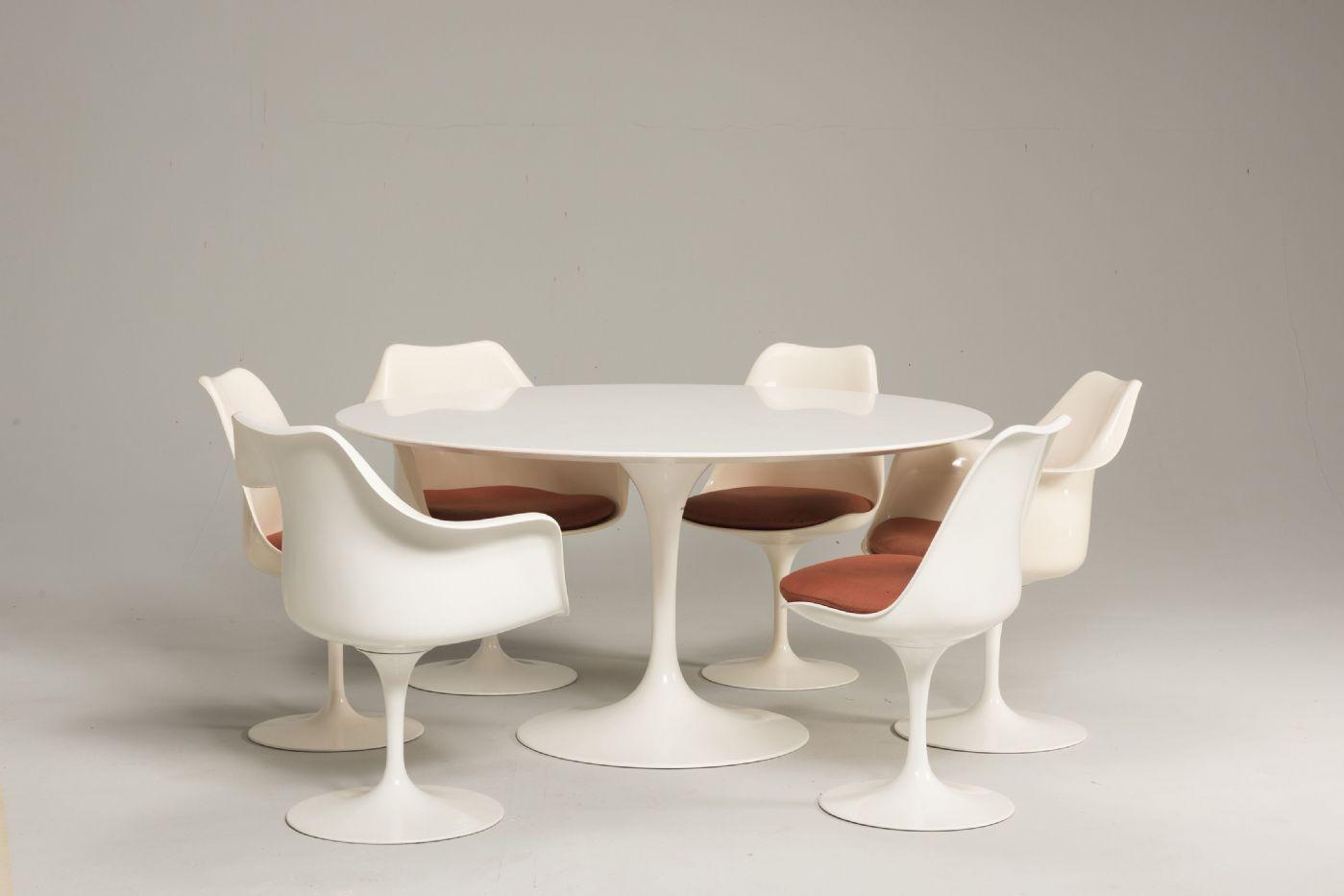 Tavolo Tulip Knoll.Set Pedestal Table Tulip And Seating By Eero Saarinen