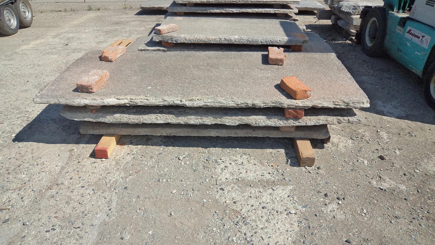thumb3|balcone in pietra di luserna antico mt.4 x 97x7