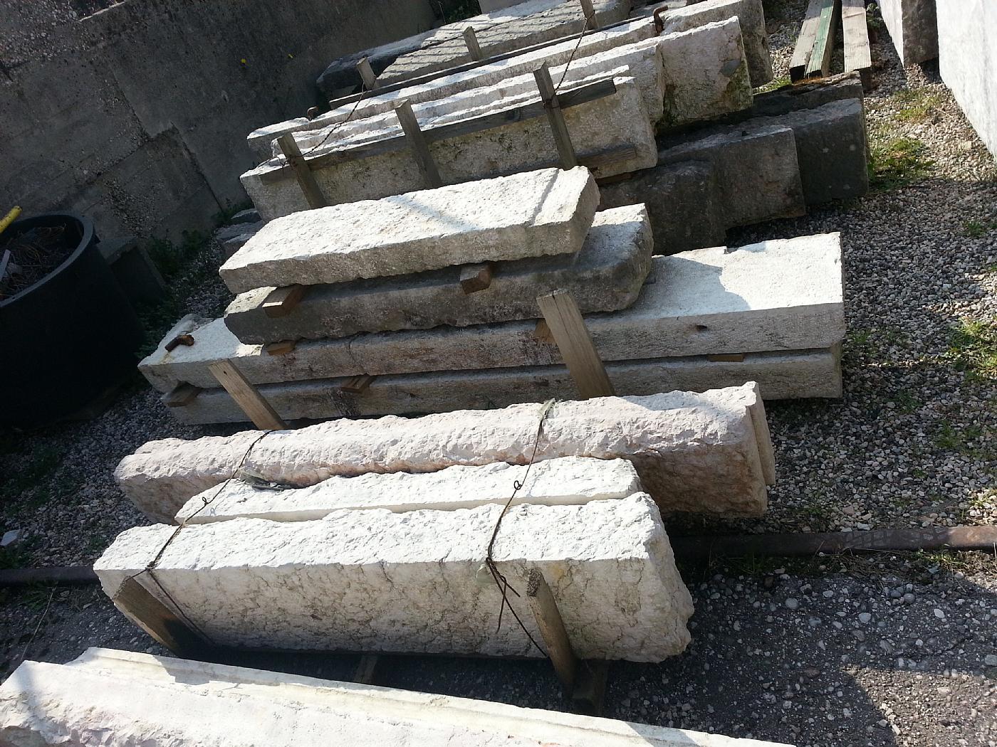 thumb4|potefinestre in pietra