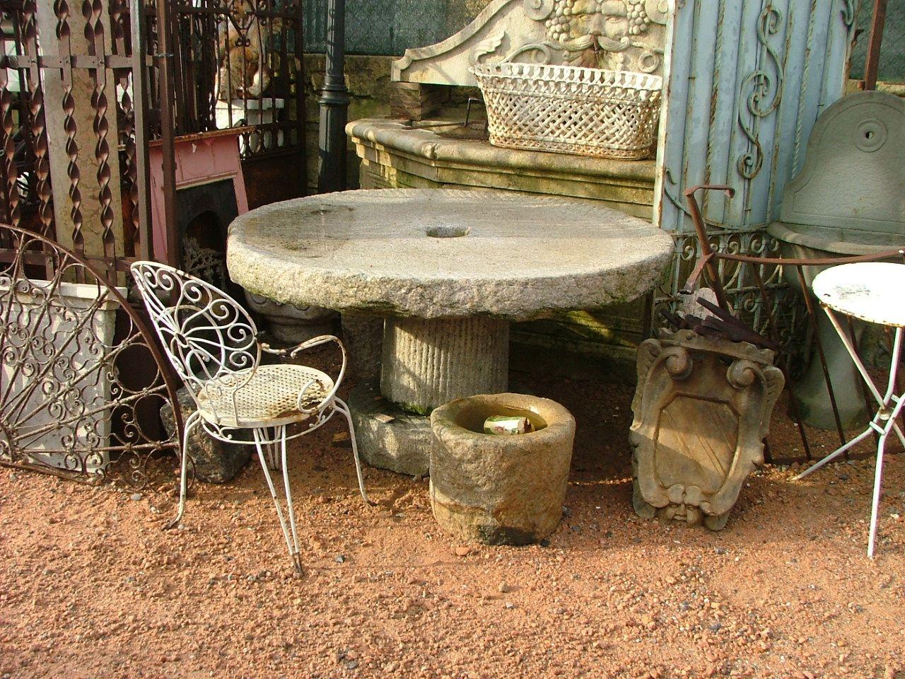 Tavoli Da Giardino Antichi.Macina Da Mulino Tavolo Da Giardino Antiquariato Su Anticoantico