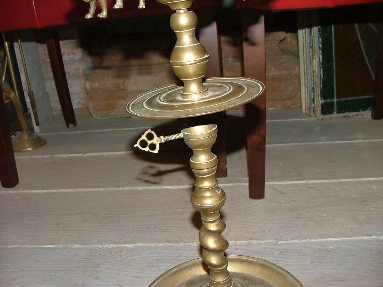 Lampada Fiorentina : Lampada ad olio fiorentina in bronzo e grande lume di ottone con