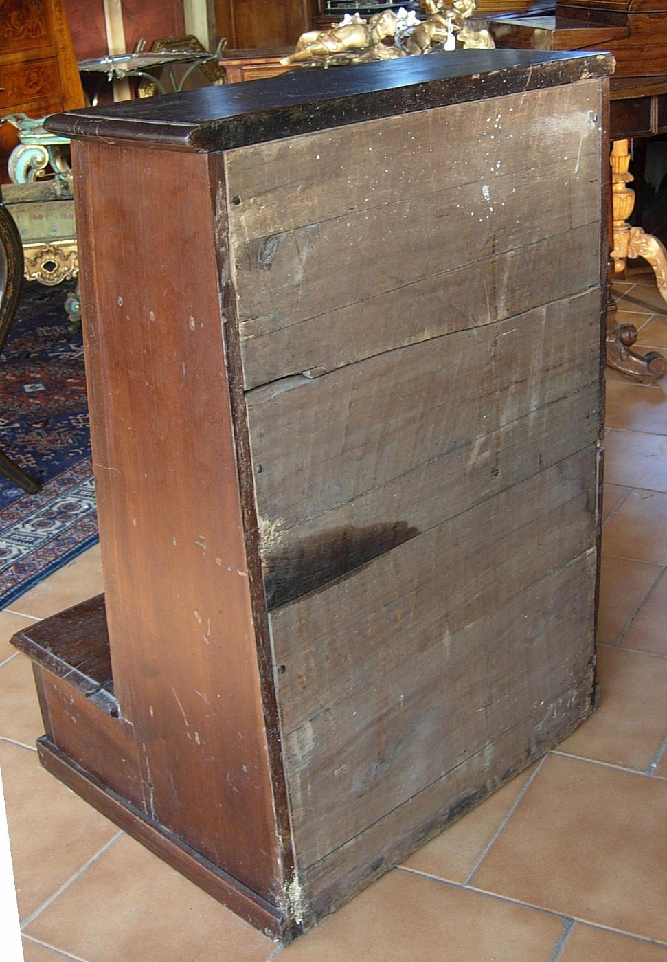Inginocchiatoio autentico del 1700 antiquariato su for Mobili antichi 1700