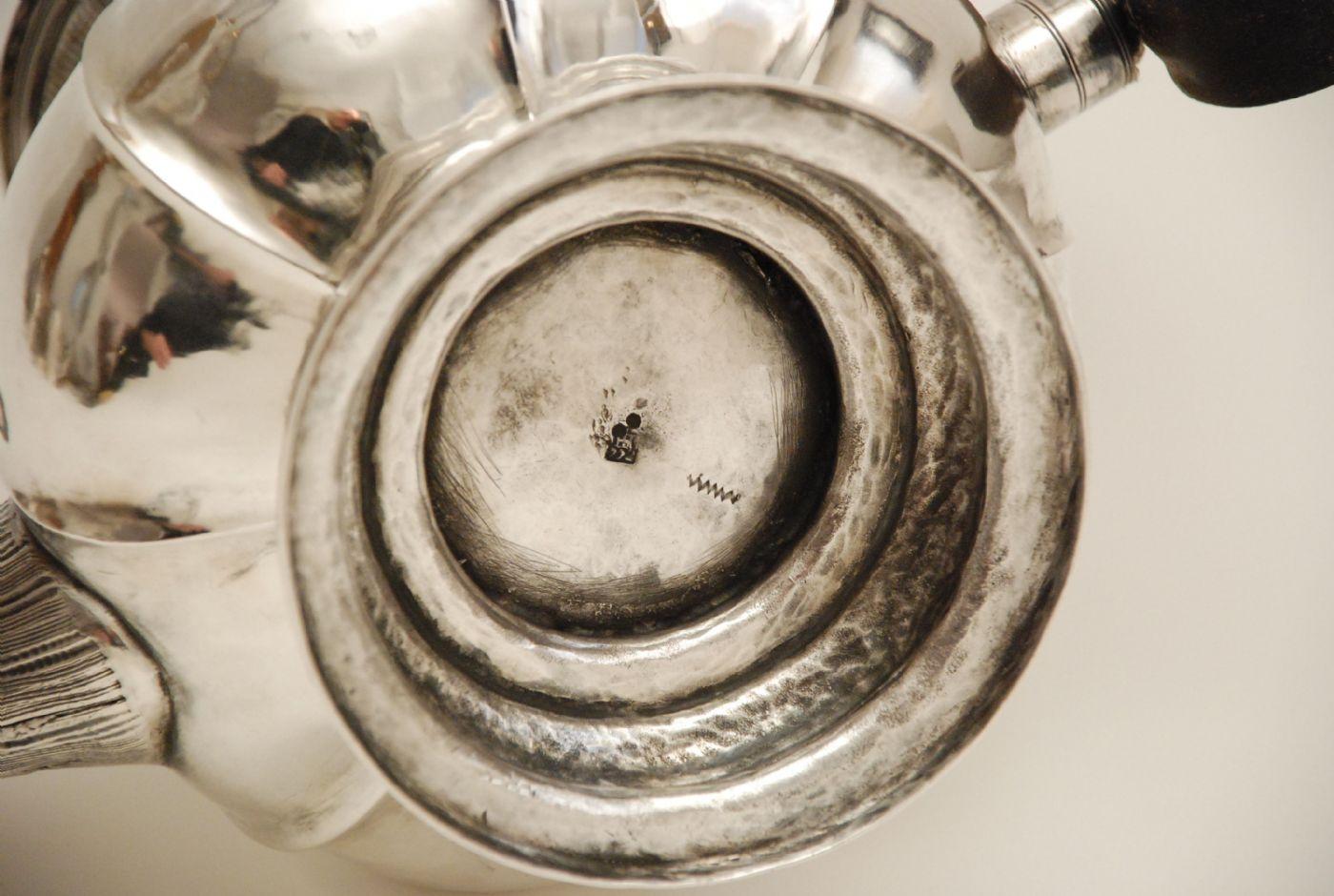thumb3|Caffettiera in argento Genova 1772