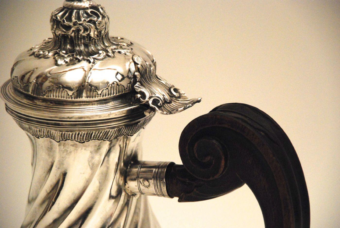thumb2|Caffettiera in argento Genova 1772