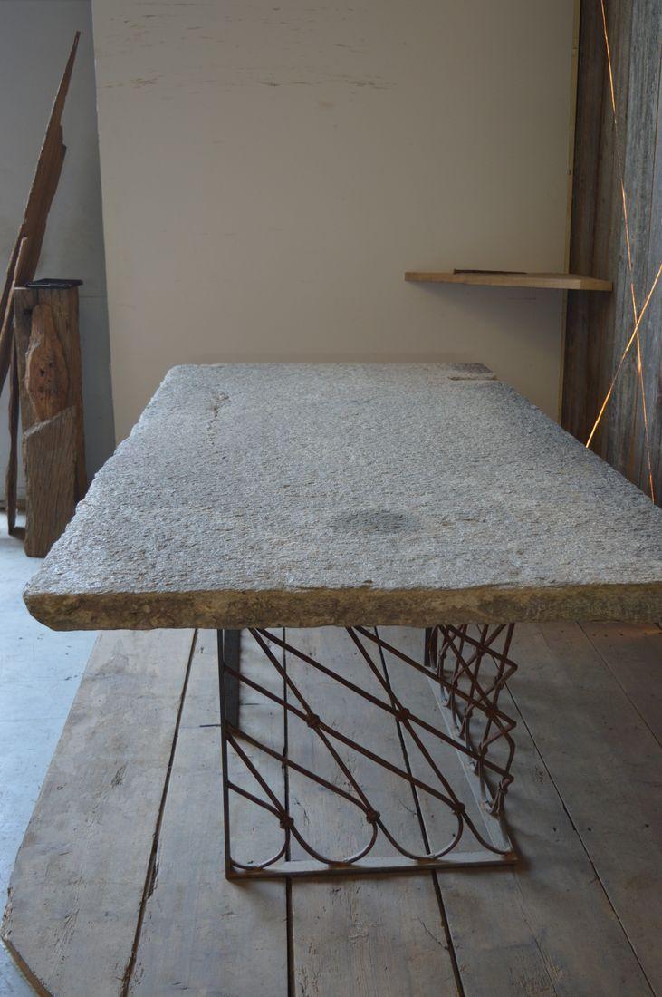 thumb2|Antica lastra in pietra