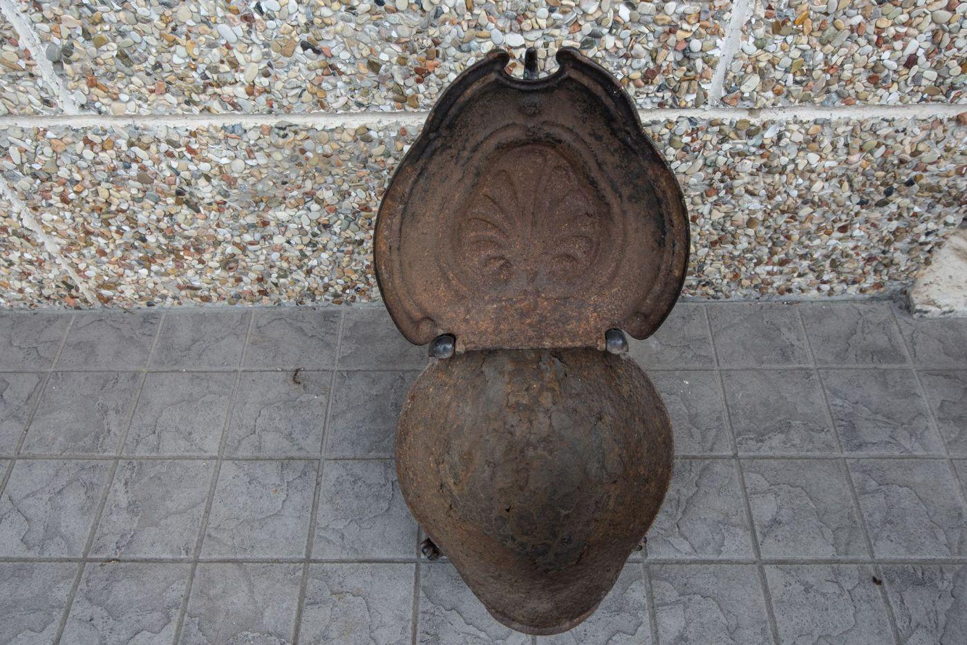 thumb4|Scaldino dell'800 in ghisa  a forma di tartaruga