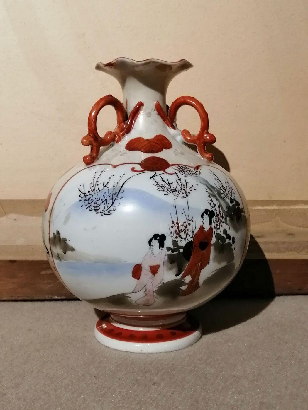 Vaso giapponese dell'800 in ceramica dipinta