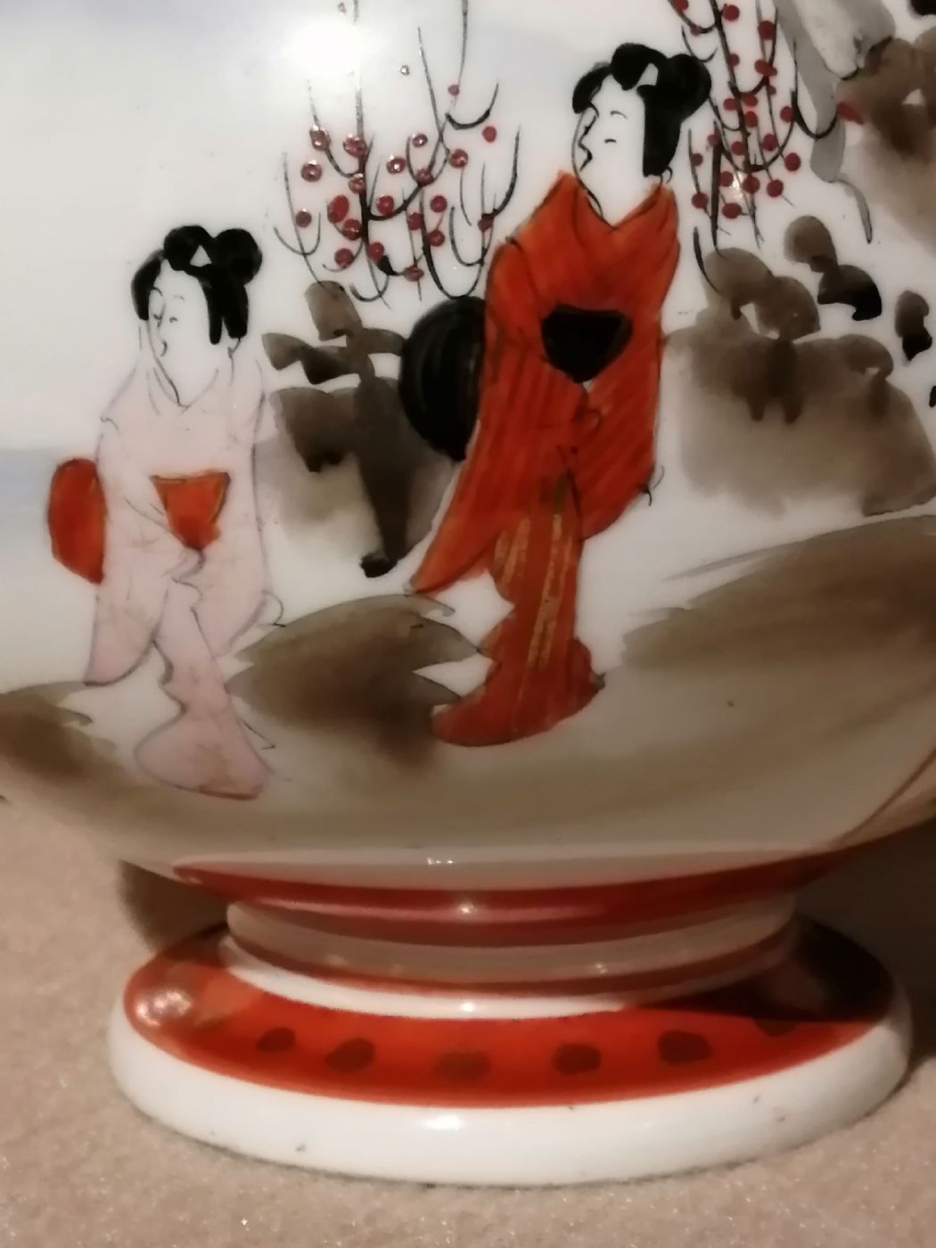 thumb3|Vaso giapponese dell'800 in ceramica dipinta