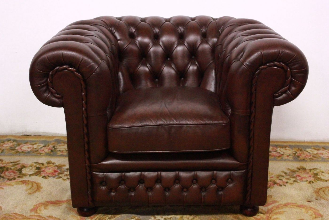 Poltrona Club Vintage.Chesterfield Chester Club Armchair In Original English Brown
