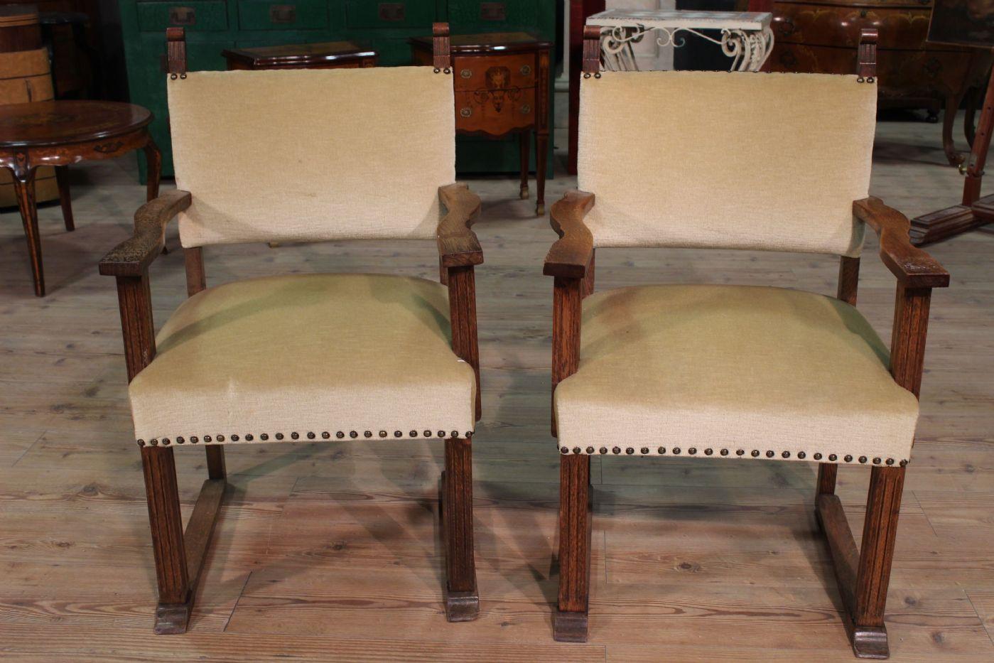 Poltrone in legno rustiche awesome divani in legno per for Poltrone relax in legno