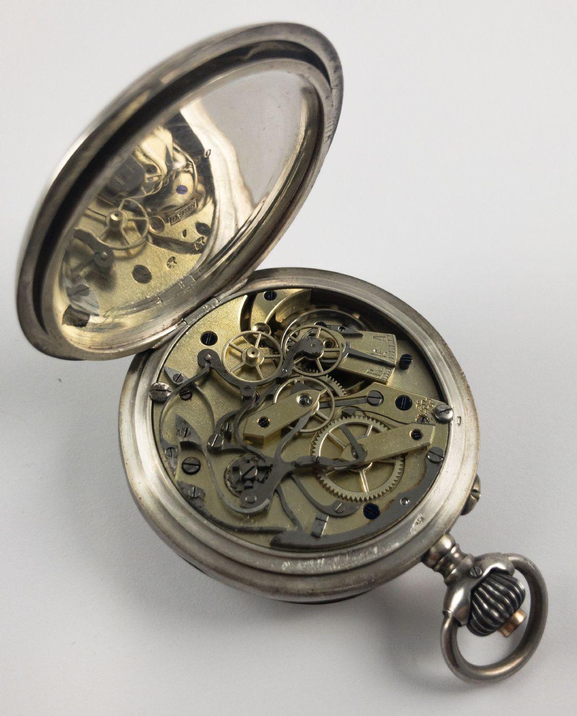 thumb4|Orologio da tasca cronografo in argento, fine 800