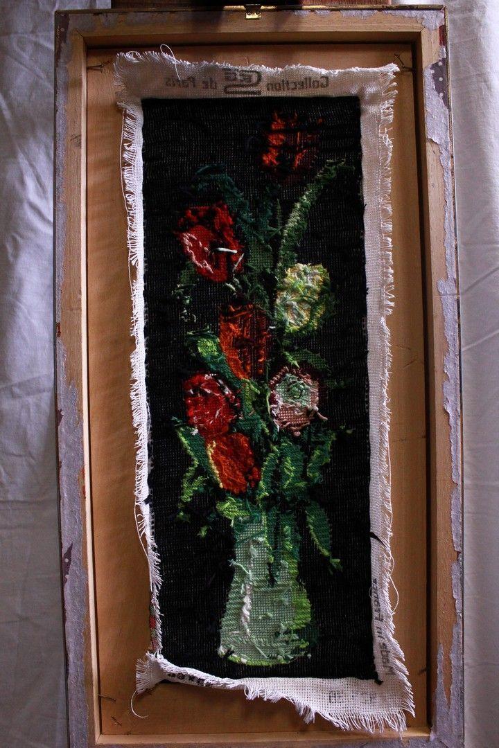 thumb5|Quadro a mezzopunto raffigurante vaso di fiori con cornice e vetro 18 x 49