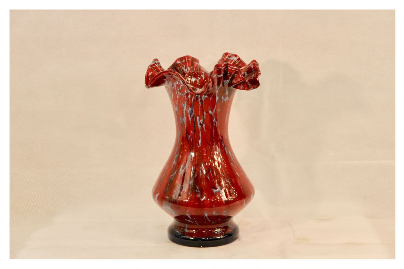 Vaso vintage in vetro rosso, XX secolo