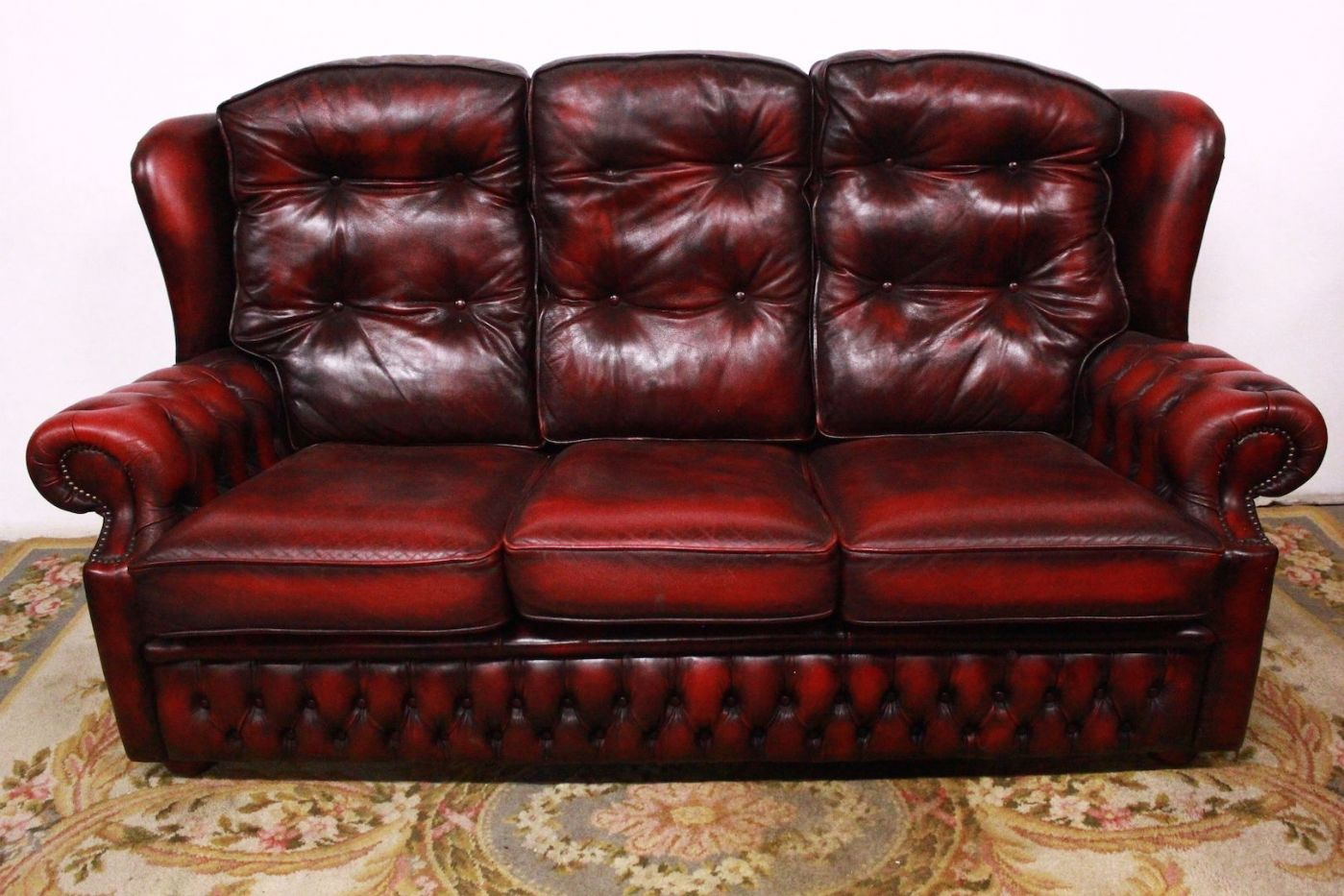 Divano Pelle Modello Chester.Lovely Chester Original 3 Seater Bordeaux English Leather Sofa