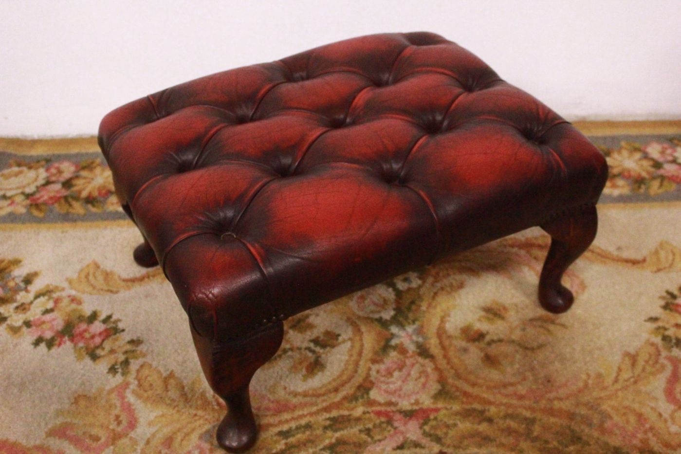 Pouf / puff chesterfield chester original english in leather ...