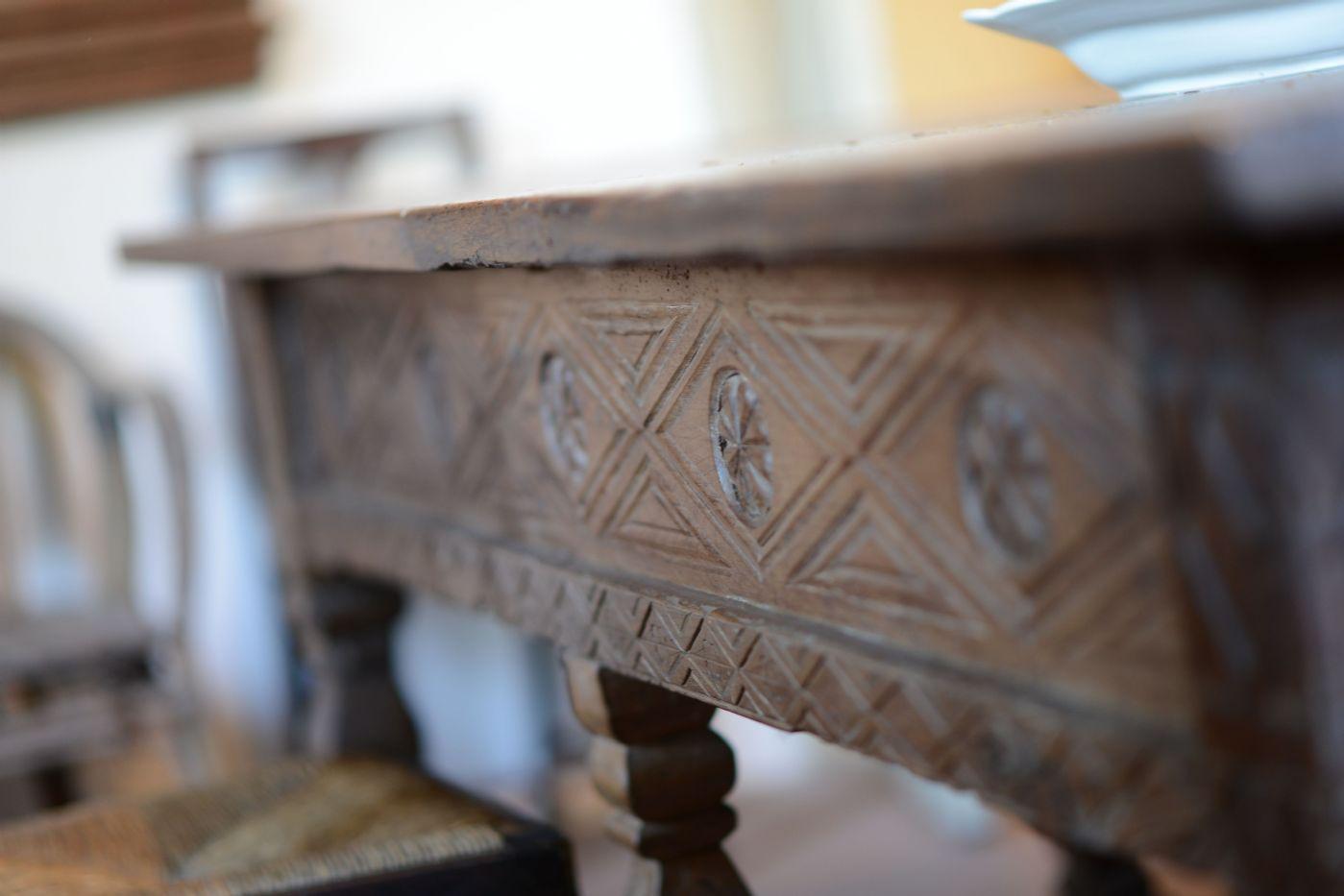 Spanisch Tisch 600 Antiquitãten Auf Anticoantico