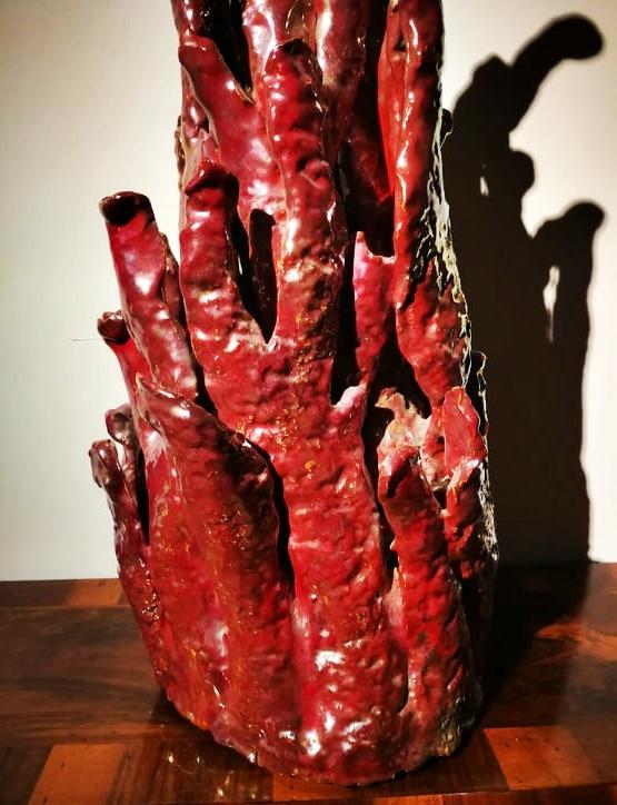 thumb5|Rara ceramica art deco' in lustro smaltato a forma di cespuglio di corallo. Firmata R.Gatti Faenza.