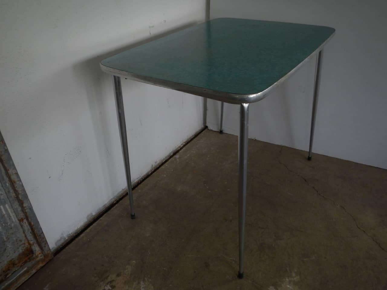 thumb4|tavolo da cucina in formica anni 50