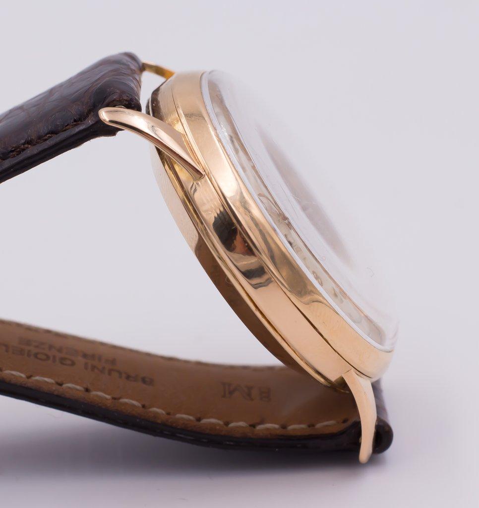 thumb3|Cronografo in oro Revue anni 50