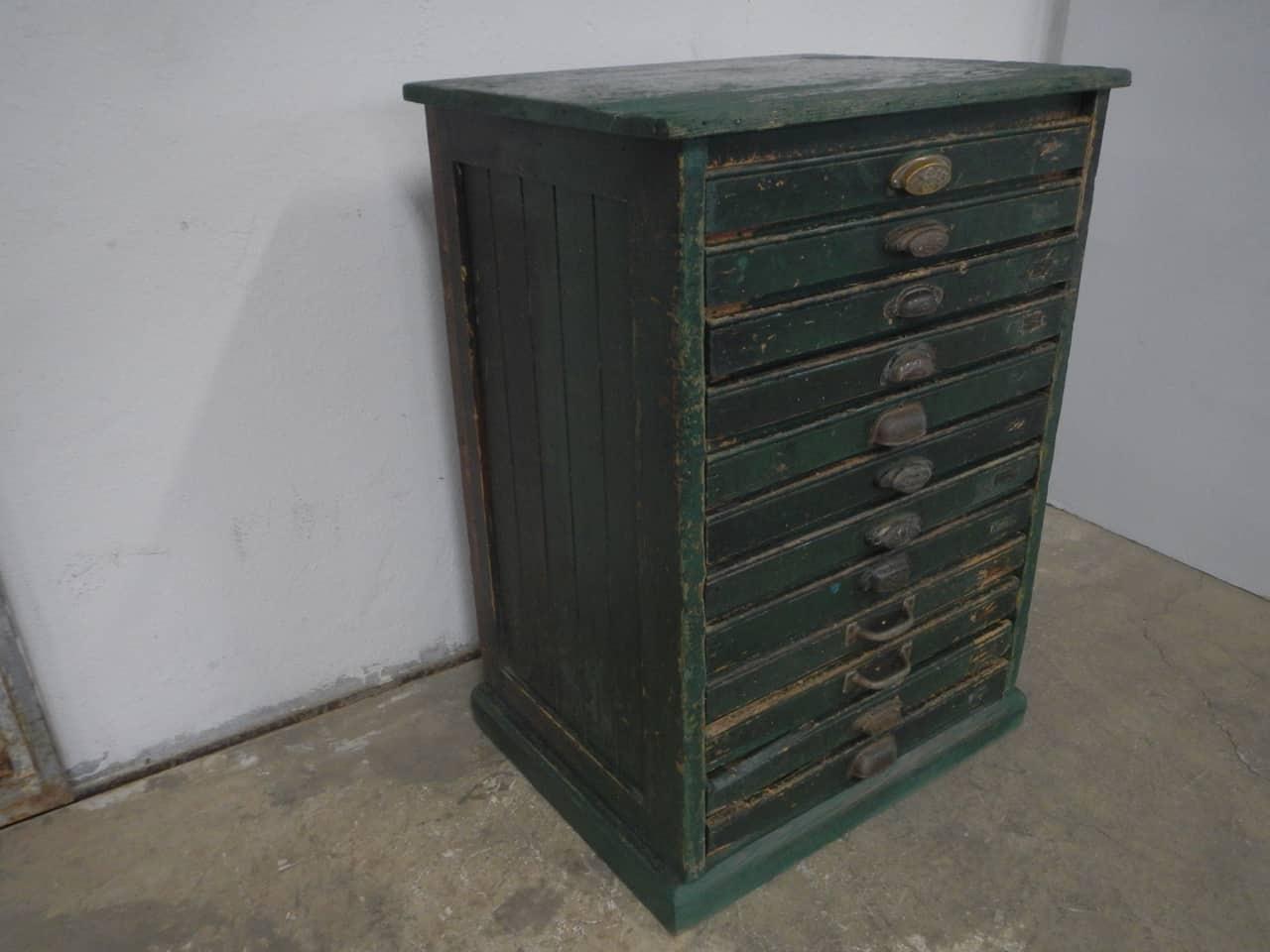 thumb2|cassettiera da tipografia anni 50