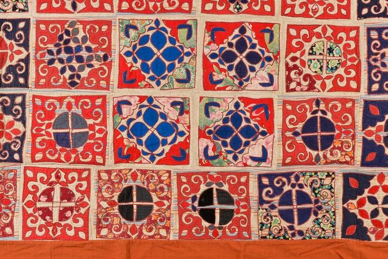 thumb2 Patchwork di antichi tessuti ricamati Turkomanni