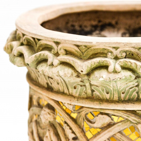 thumb6|Vaso cachepot con fregio di stile gotico francese, Cachepot vase with French Gothic style frieze