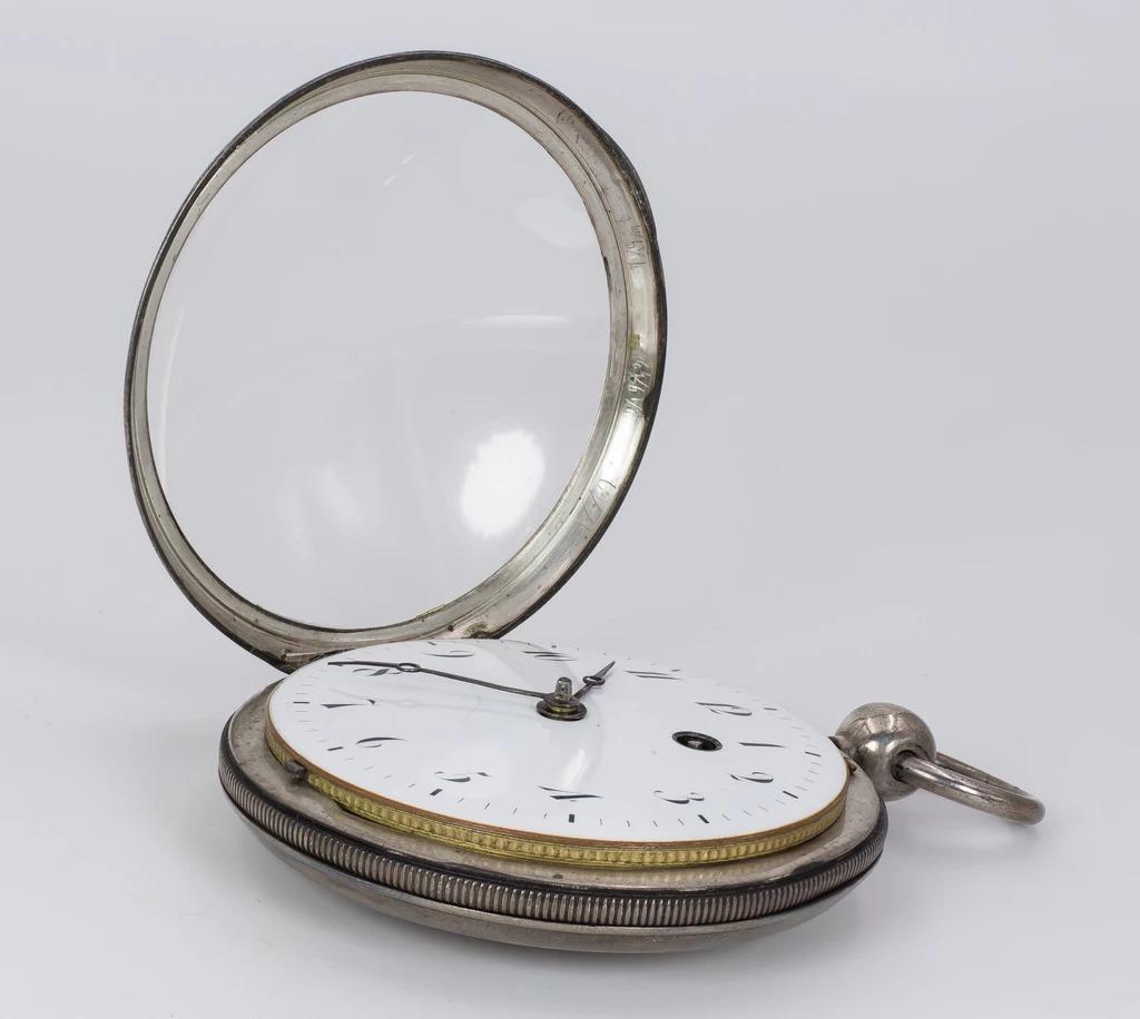 thumb4|Orologio da tasca in argento prima metà dell'800