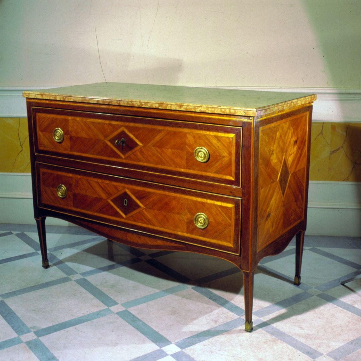Paar Louis XVI-Stil kommode | Antiquitäten auf Anticoantico