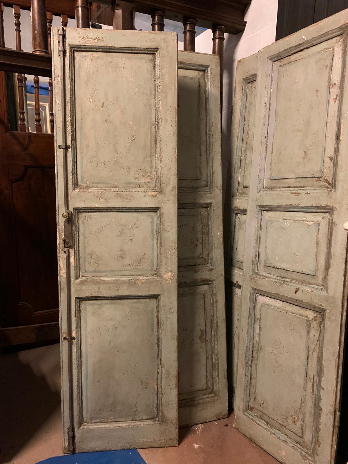 thumb5| pts743 - due porte laccate a due battenti, prima metà '800, cm l 114 x h 204