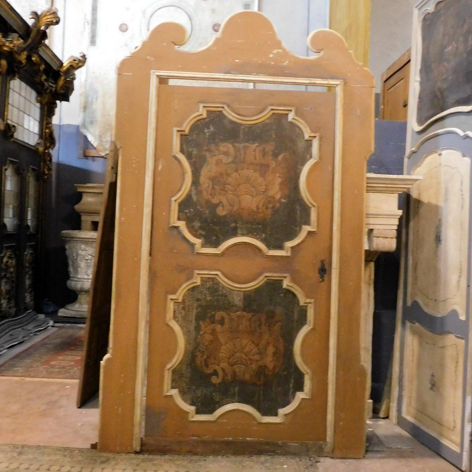 thumb2  ptl538 - porta laccata con pannelli dipinti, epoca '6/'700, cm l 170 x h 290