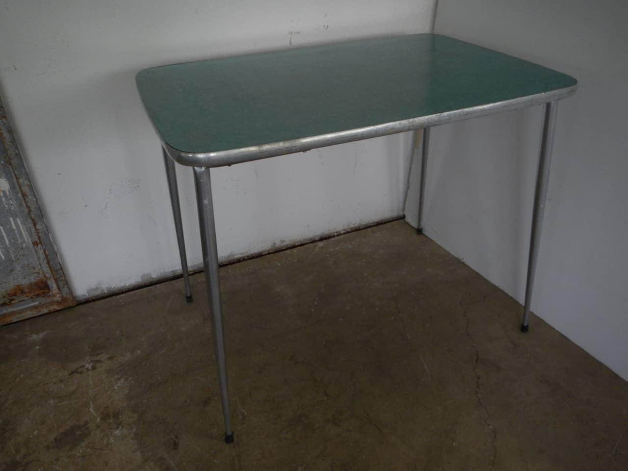 thumb3|tavolo da cucina in formica anni 50