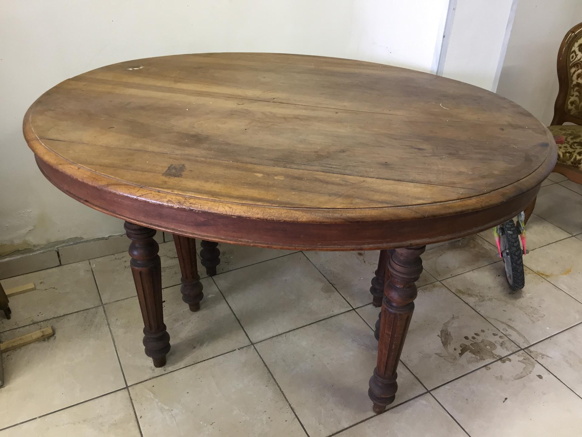 Tavolo Ovale Antico : Tavolo ovale allungabile in noce massello epoca 1880 luigi