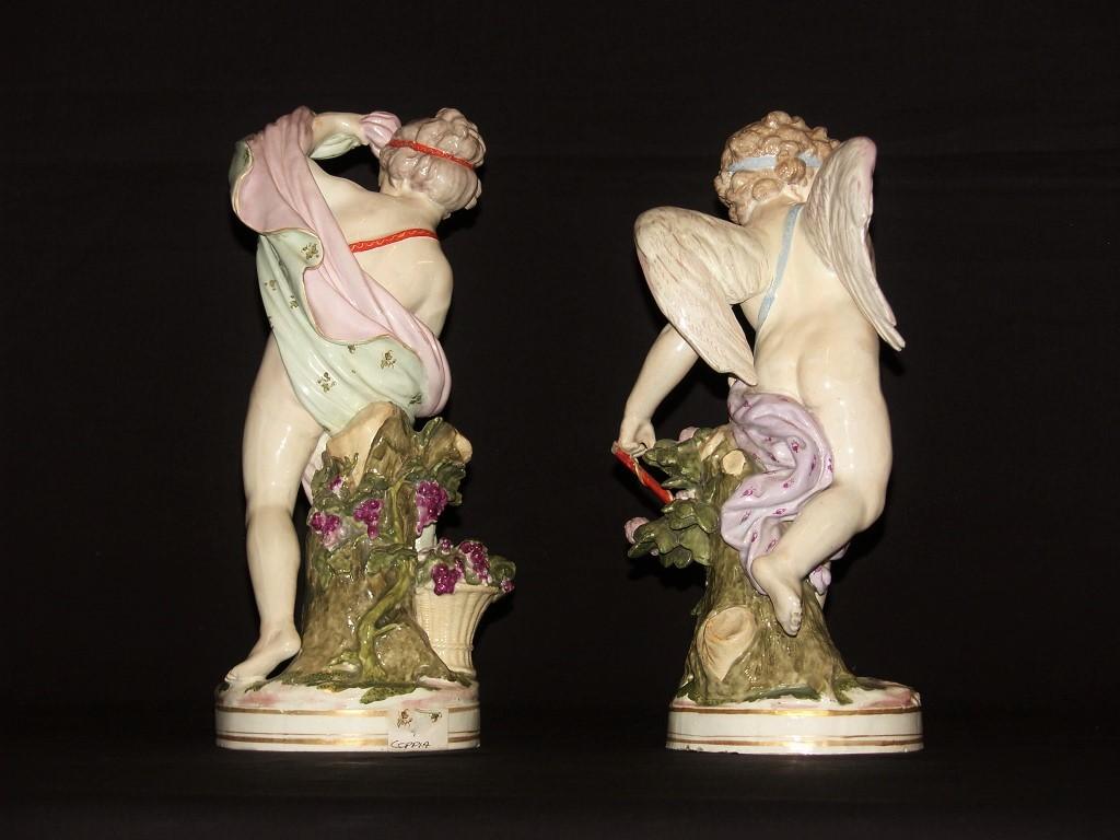 thumb3|Coppia di amori in porcellana