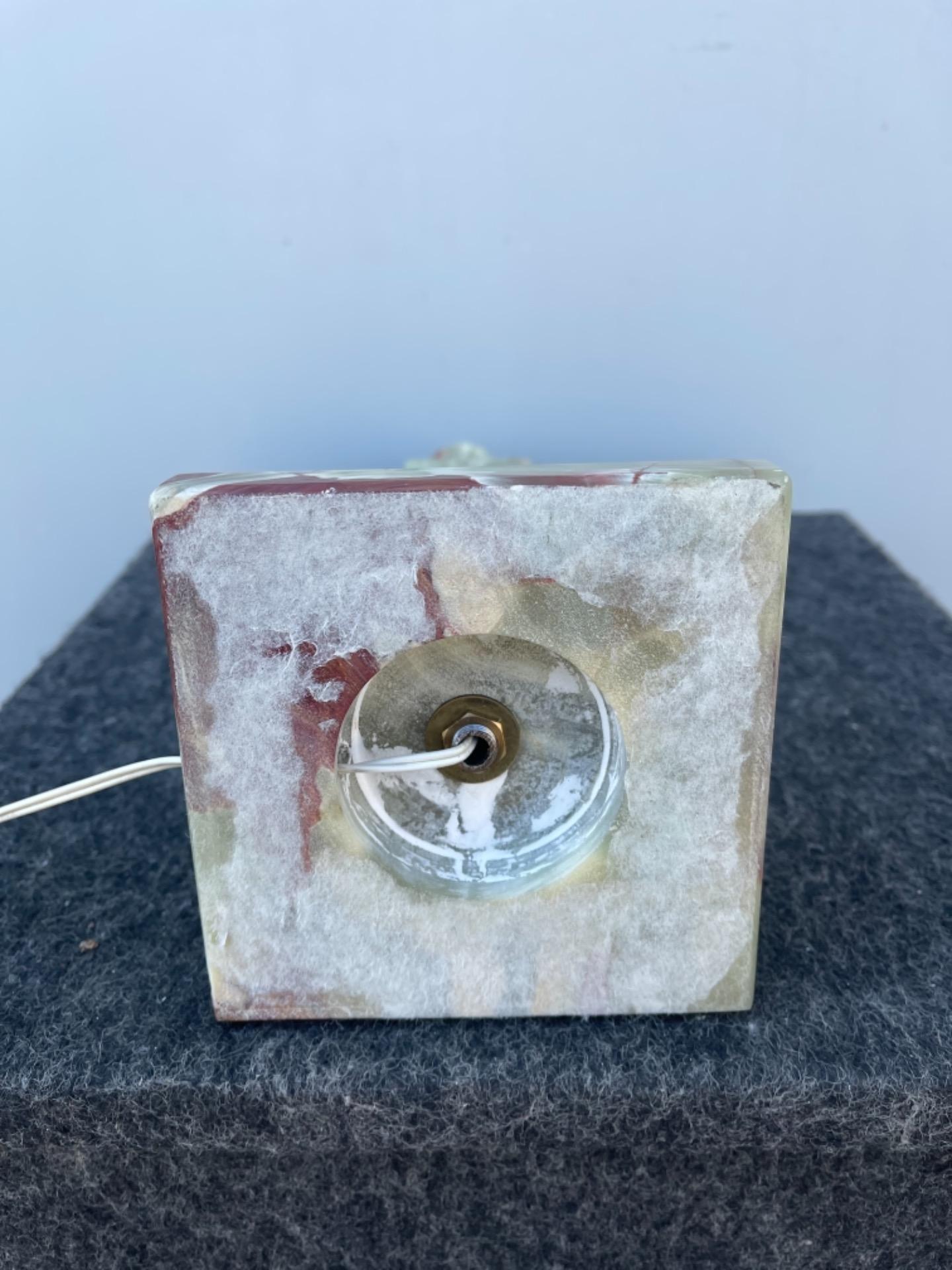 thumb6|Lampada in alabastro stile art deco'