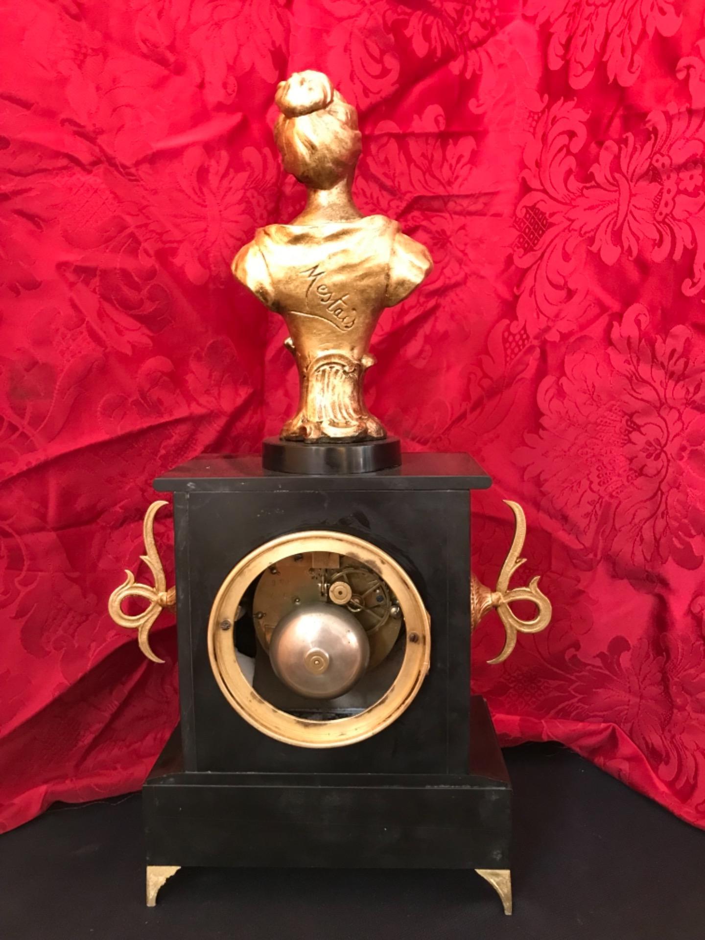 thumb5|Orologio a pendolo con scultura firmata Mestais