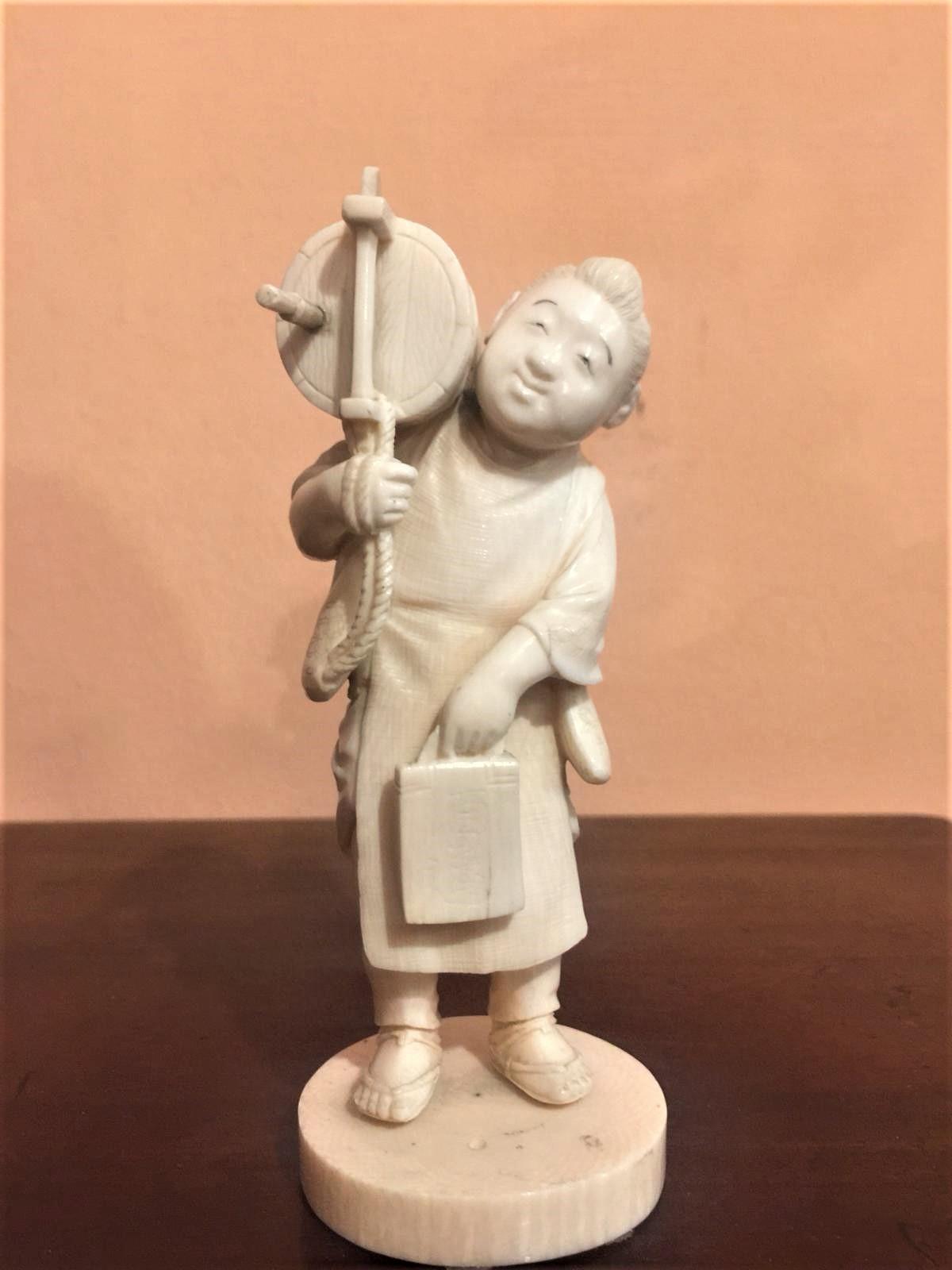 Statuetta in avorio, contadino orientale, fine '800