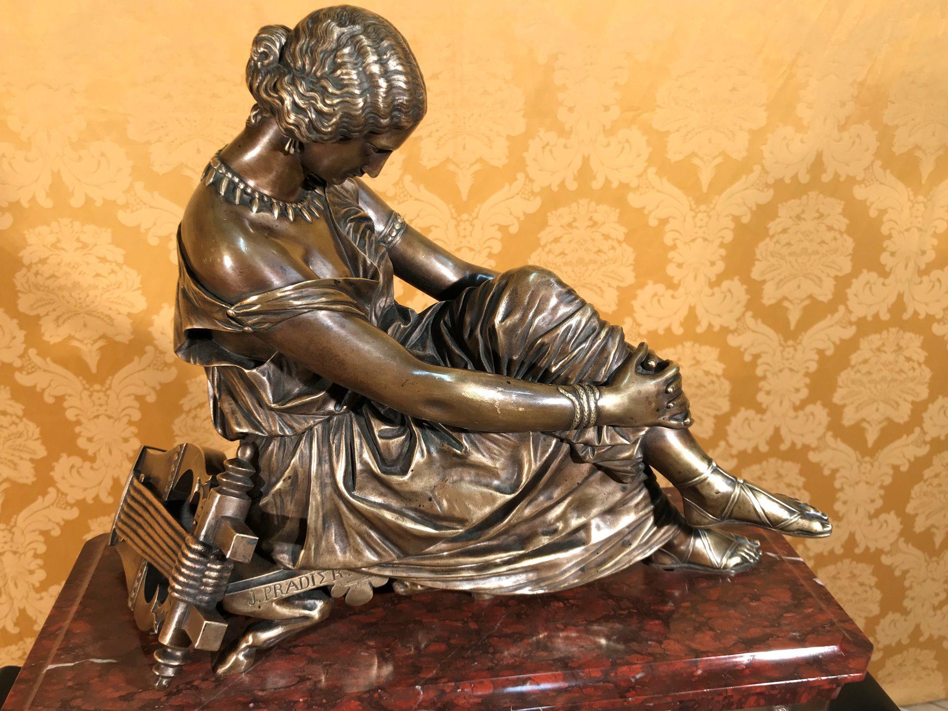 thumb7|Importante orologio a pendolo con marmo e bronzo firmato