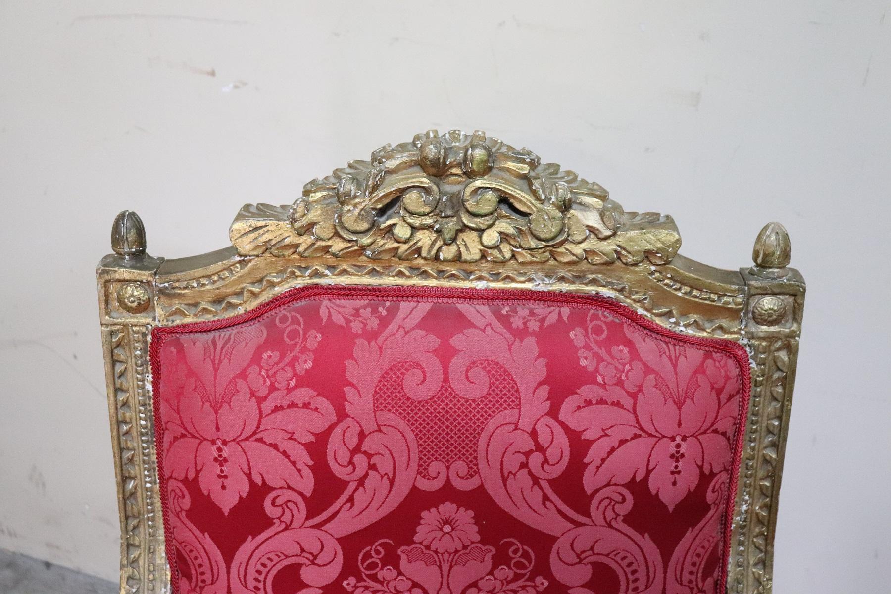 thumb2|Coppia di poltrone in stile antico Luigi XVI legno intagliato e dorato PREZZO TRATTABILE