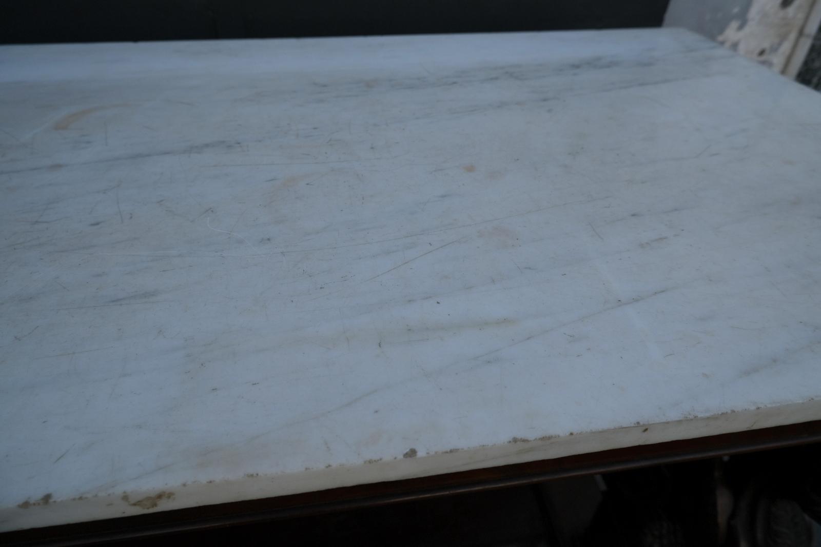 thumb6|Consolle antica Impero Siciliana in piuma di mogano con piano in marmo bianco statuario.Periodo XIX secolo.