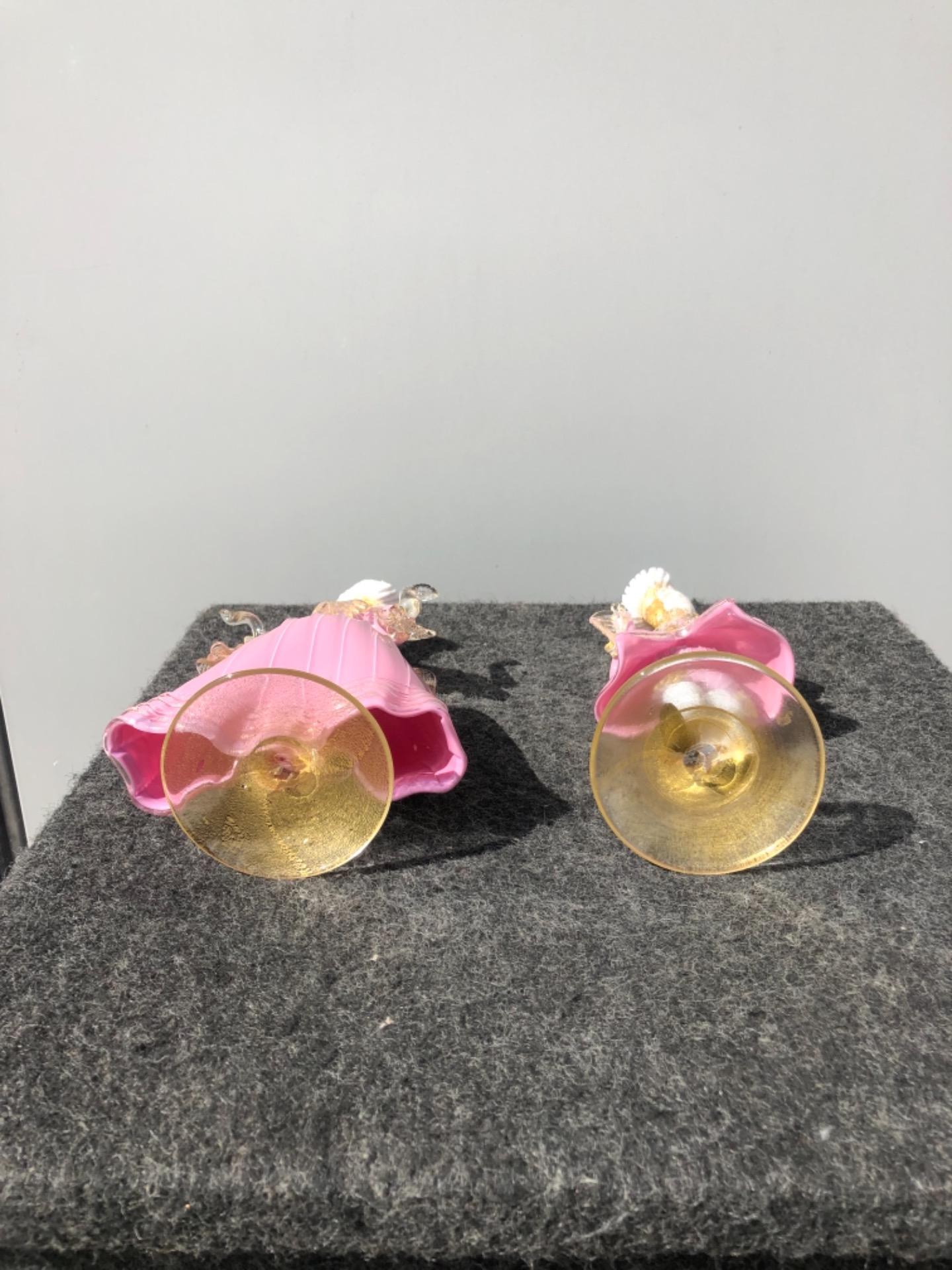 thumb4|Coppia di figure cavaliere e dama in vetro con inclusioni in oro.Murano