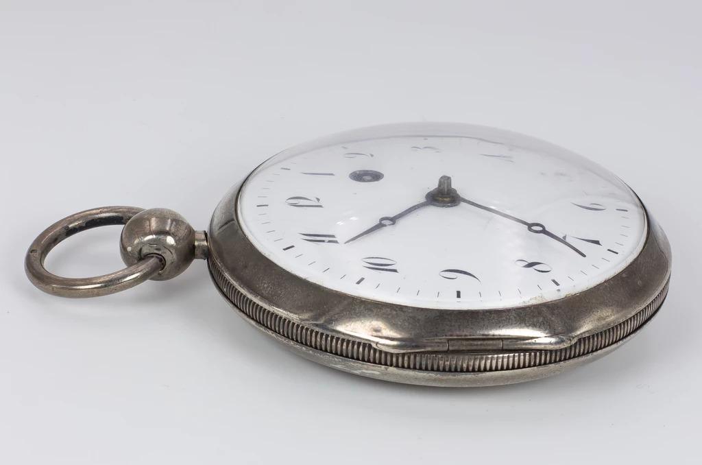 thumb3|Orologio da tasca in argento prima metà dell'800