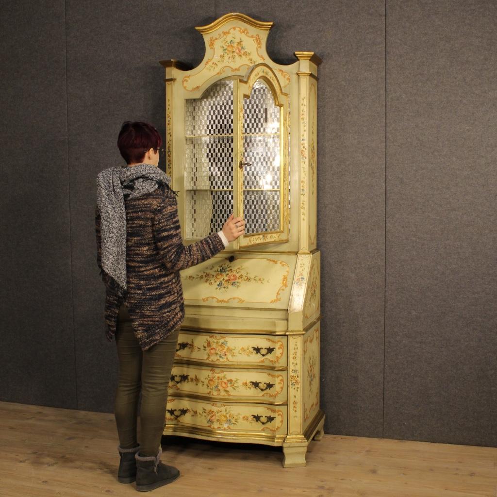 thumb9|Trumeau veneziano laccato, dorato e dipinto