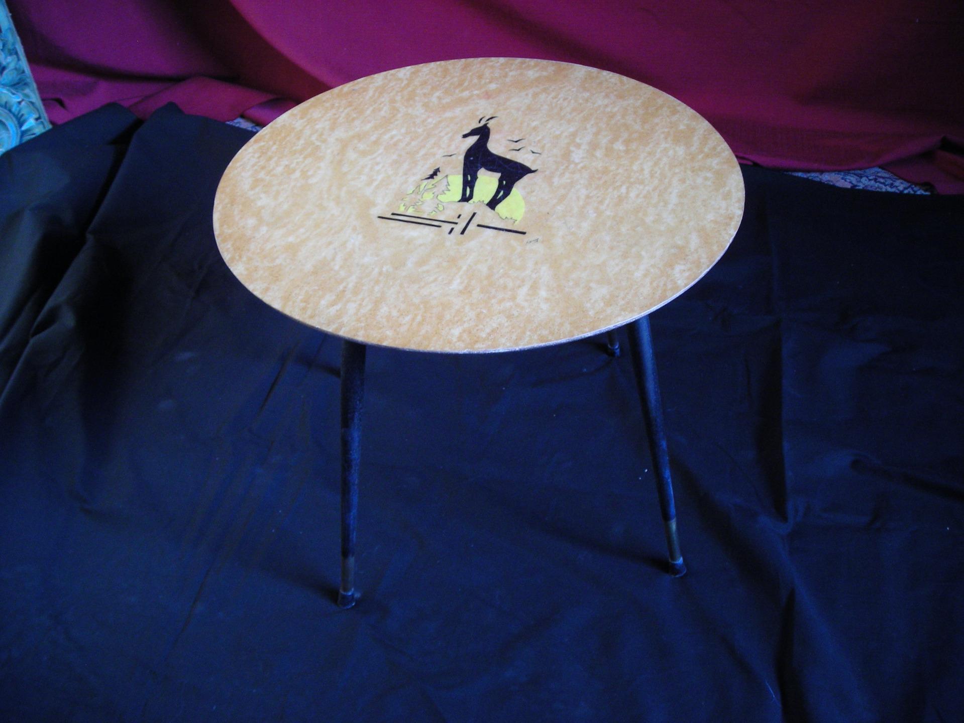 Tavolino anni piano in acero intarsiato e firmato remy piediin