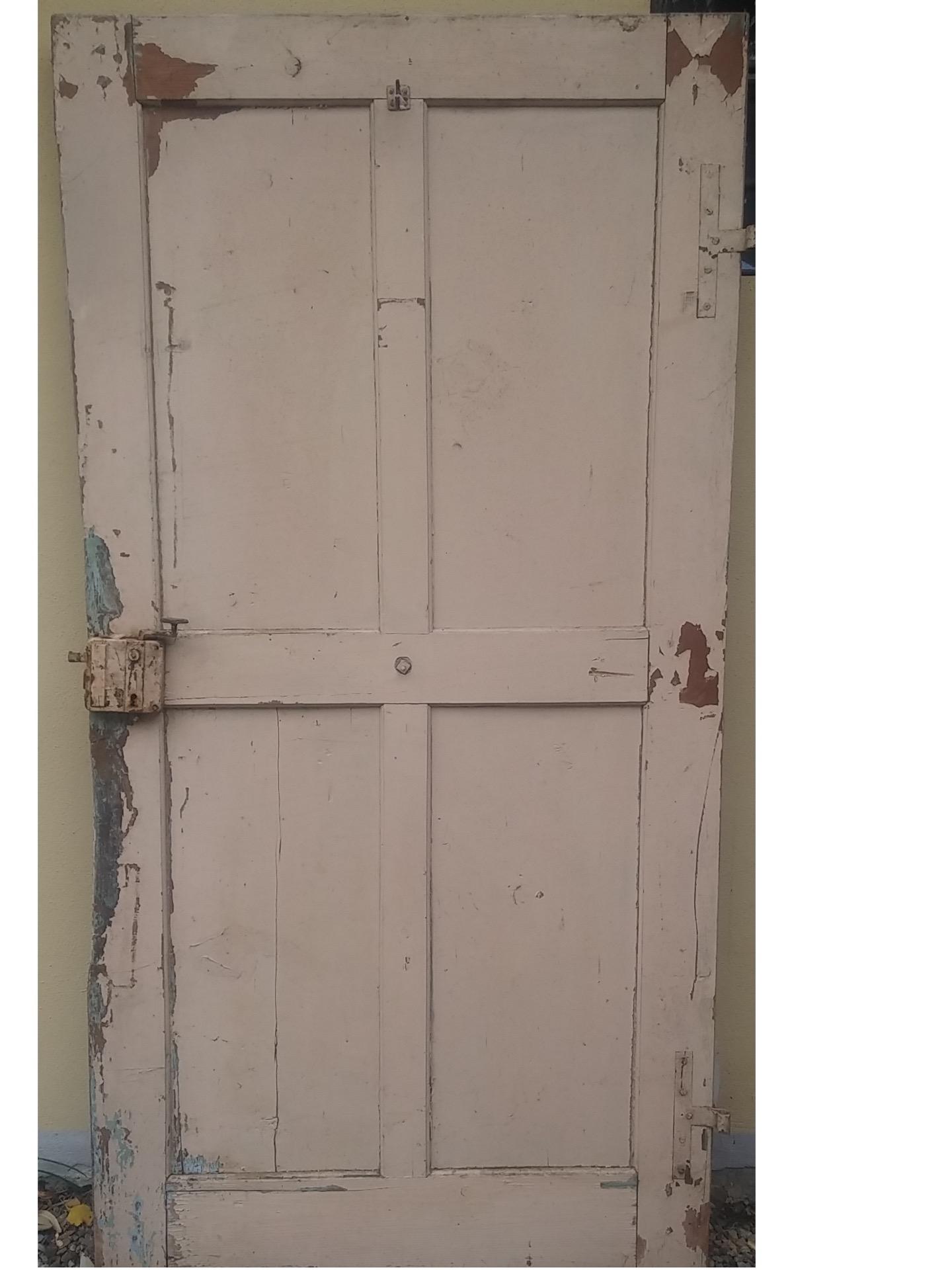 thumb4|porta 1 anta